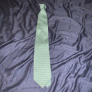 Men's vineyard vines tie